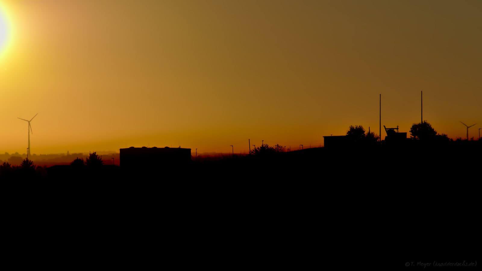Sonnenaufgang zwischen Kirrberg und Zweibrücken