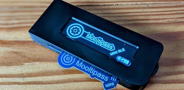 Mooltipass Mini BLE und der Import einer alten Datenbank